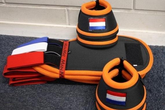 Manmat Nederland wedstrijdset springschoen / beenbeschermer