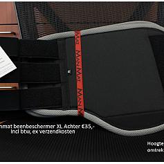 Beenbeschermers maat XL achterzijde kleuren in beschrijving